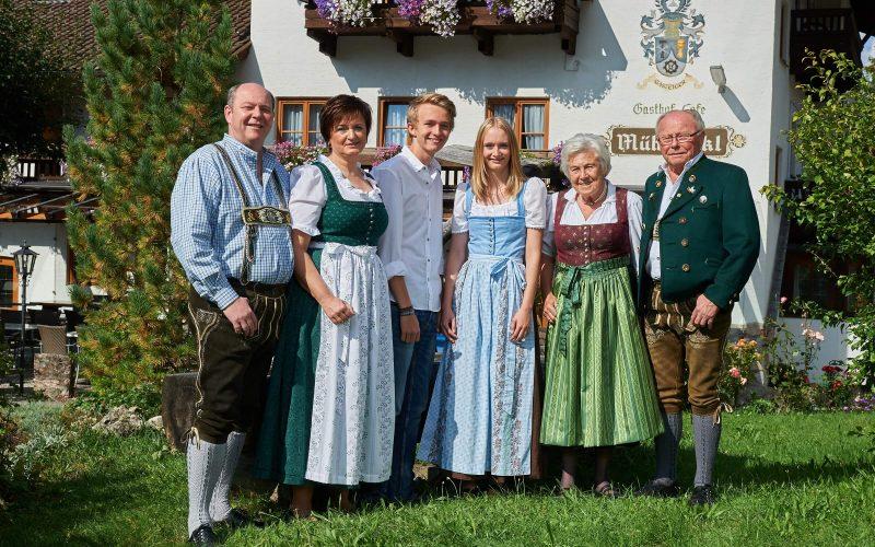 Familie mit Senioren